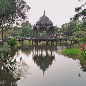 Павильон в ''Божественном саду'' (The Garden of the God), Muang Boran